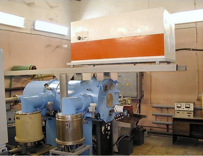 Вакуумная установка нанесения высокопроводящих покрытий «УНВП»