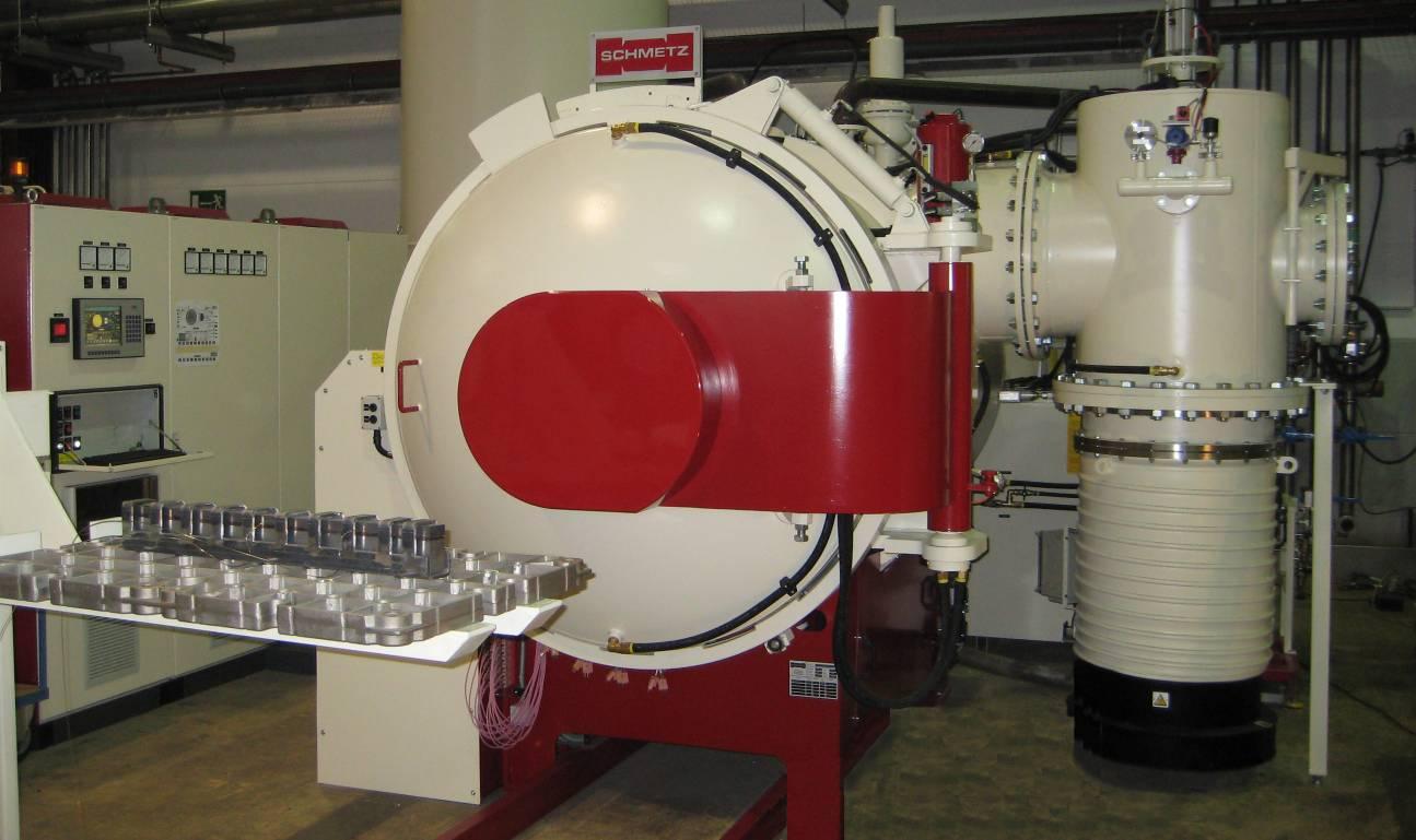 """Промышленная вакуумная печь широкого профиля """"SCHMETZ E 210/1 H 60 x 100 x 60""""_"""