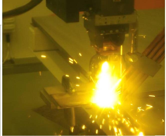 Рис. 2 Процесс лазерной сварки